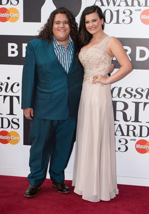 Классический дуэт Джонатан и Шарлотта приняли участие в церемонии вручения музыкальных наград Великобритании в области классической музыки (Classic BRIT Awards 2013) 2 октября 2013 года в Лондоне, Англия. Фото: Ian Gavan/Getty Images
