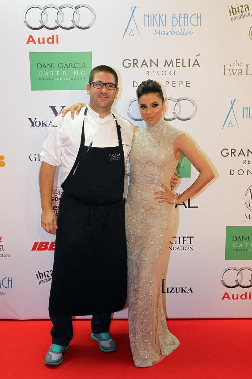 Дани Гарсиа и Ева Лонгория на благотворительном ужине Global Gift Gala 2013, который состоялся в отеле Gran Melia Don Pepe Resort 4 августа 2013 года.  Фото: Daniel Perez/Getty Images