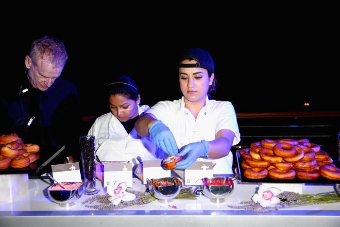Летняя вечеринка «Авиалинии Дельты» прошла в Беверли Хиллз. Фото: Joe Scarnici/Getty Images for Delta