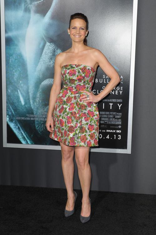 Карла Гуджино прибыла на премьеру фильма «Гравитация», состоявшуюся 1 октября 2013 года в Нью-Йорке, США. Фото: Michael Loccisano/Getty Images