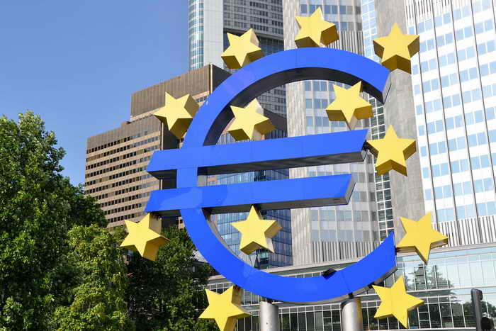 Хотя признаки восстановления экономики в зоне евро уже ощутимы, Европейский Центральный банк продолжит держать прежний курс: процентные ставки в еврозоне останутся крайне низкими. Фото с сайта flickr.com