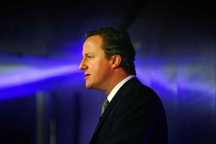 Британский премьер Дэвид Кэмерон не раз повторял, что необходимо ограничить приток мигрантов в страну. Фото: Peter Macdiarmid/Getty Images