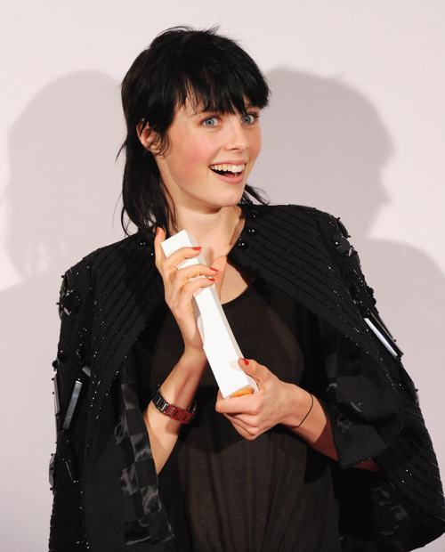 Эди Кэмпбелл (модель года) на вручении премии British Fashion Awards 2013 в лондонском Колизее 2 декабря. Фото: Stuart C. Wilson/Getty Images