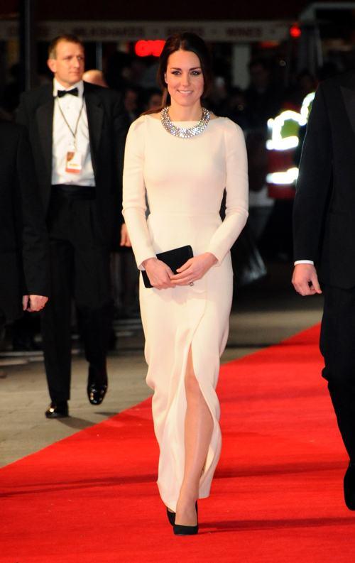 Герцогиня Кембриджская Кэтрин на лондонской премьере фильма о жизни Нельсона Манделы «Долгая дорога к свободе» 5 декабря 2013 года. Фото: Anthony Harvey/Getty Images