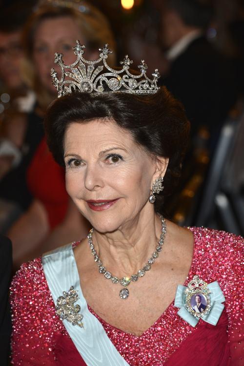 Королева Швеции Сильвия посетила банкет в Стокгольмской ратуше 10 декабря 2013 года после вручения Нобелевской премии 2013. Фото: Pascal Le Segretain/Getty Images