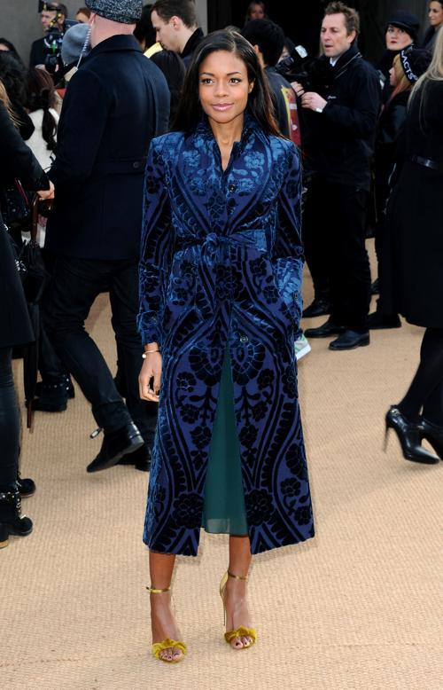 Наоми Харрис прибыла на показ коллекции одежды классической британской марки Burberry Prorsum 17 февраля 2014 года на Неделе моды в Лондоне. Фото: Anthony Harvey/Getty Images