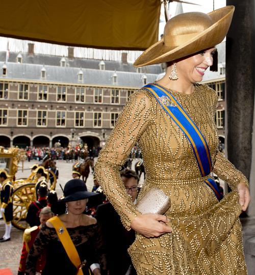 Королева Нидерландов Максима прибыла на торжественное  мероприятие открытия сессии парламента 17 сентября 2013 года в Гааге. Фото: Michel Porro/Getty Images