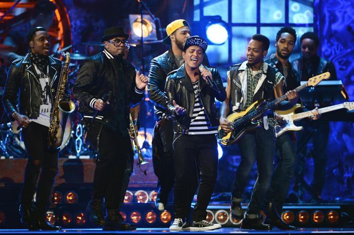 Бруно Марс выступил на церемонии вручения британской музыкальной премии Brit Awards 2014 в Лондоне.  Фото: Ian Gavan/Getty Images