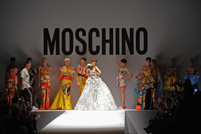 Показ осень-зима 2014 итальянского бренда Moschino на Неделе моды в Милане. Фото: Jacopo Raule/Getty Images