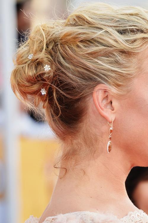 Элизабет Ром продемонстрировала причёску во время церемонии вручения премии Гильдии киноактёров США 2014. Фото: Alberto E. Rodriguez/Getty Images
