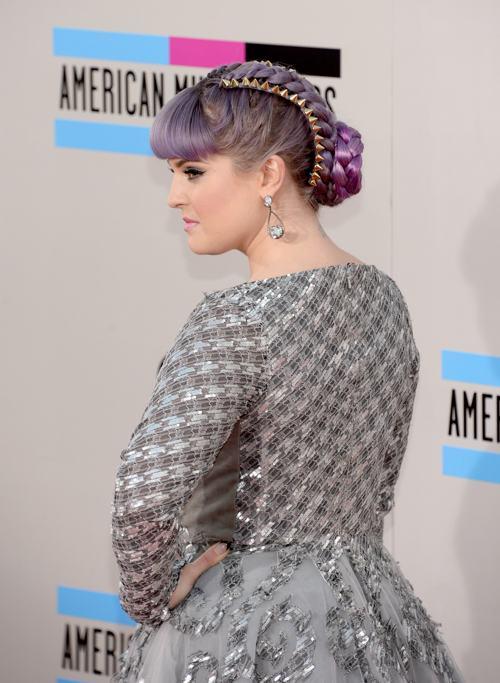 Телеведущая Келли Осборн прибыла 24 ноября 2013 года на вручение престижной американской премии в области музыки American Music Awards в Лос-Анджелесе. Фото: Jason Kempin/Getty Images