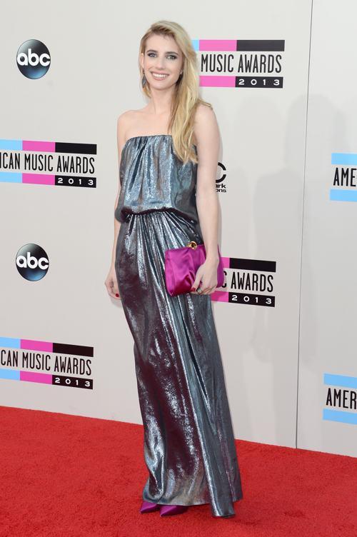 Актриса Эмма Робертс прибыла 24 ноября 2013 года на вручение престижной американской премии в области музыки American Music Awards в Лос-Анджелесе. Фото: Jason Merritt/Getty Images