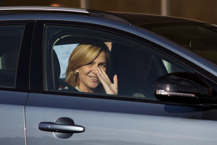 Принцесса Кристина прибыла в больницу в Посуэло-де-Аларкон, чтобы навестить короля Испании Хуана Карлоса I, перенёсшего операцию. Фото: Pablo Blazquez Dominguez/Getty Images