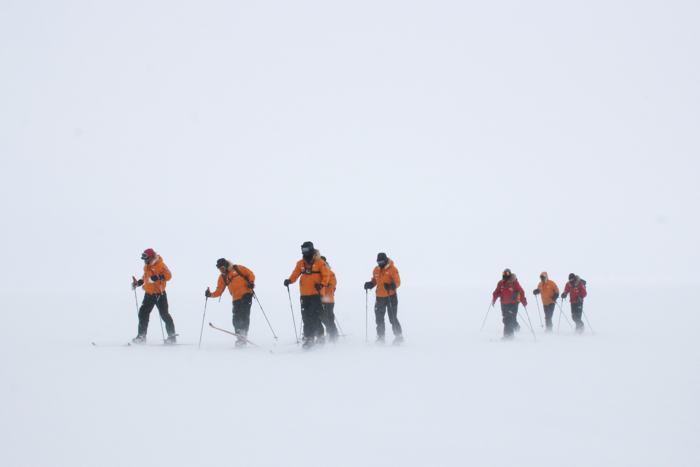 Лыжная подготовка на авиабазе Ново (Антарктида) к началу экспедиции на Южный полюс 23 ноября 2013 года. Фото: WWTW via Getty Images