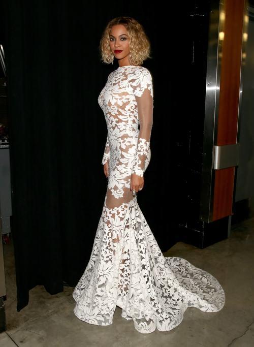 Бейонсе посетила церемонию вручения 56-й музыкальной премии «Грэмми» 26 января 2014 года в Лос-Анджелесе (США). Фото: Christopher Polk/Getty Images for NARA