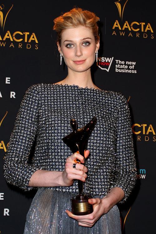 Элизабет Дебицки на церемонии вручения кинопремии AACTA 30 января 2014 года в Сиднее (Австралия). Фото: Lisa Maree Williams/Getty Images