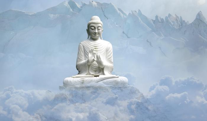 Будда в горах