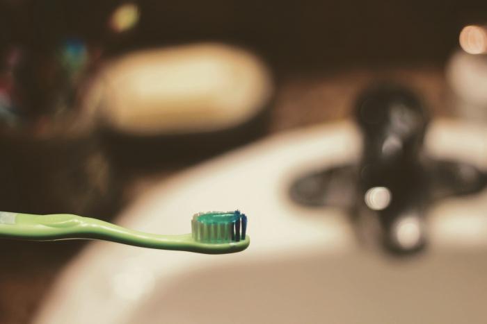 Сколько зубной пасты можно съесть без последствий для здоровья?