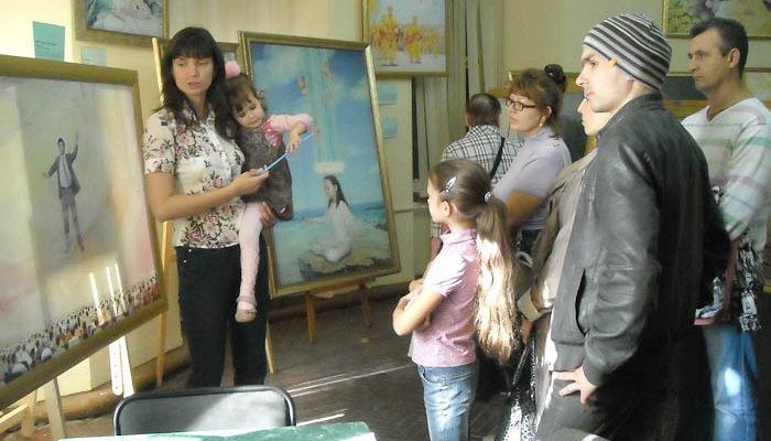 «Там есть ангел». О выставке картин в Нижнем Новгороде