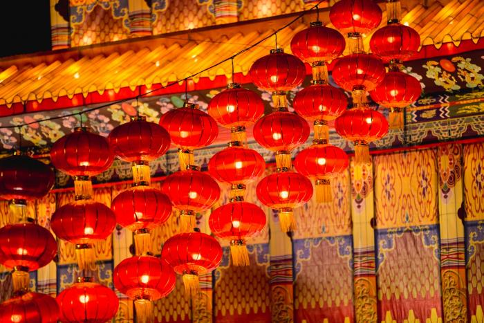 Чем  отличается Новый год в Бурятии от новогоднего праздника в Китае и Японии?