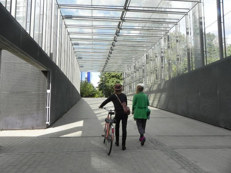 Дороги проходят в Финляндии не только по поверхности земли, но проложены и многочисленные подземные — переходы. Фото: Лариса Кононова/Великая Эпоха (The Epoch Times)