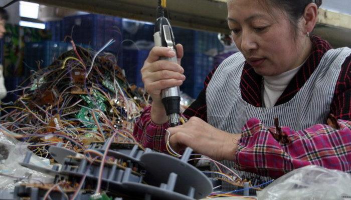 Электроника с жучками поступает прямо с заводов Китая