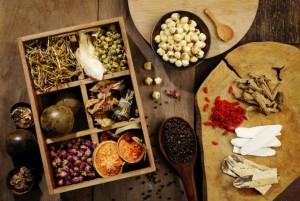 В китайской медицине используется большое количество трав, минералов и экстрактов животного происхождения. Фото: *Shutterstock