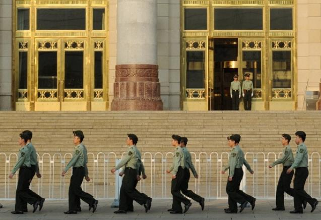 Открытое письмо к бывшему главе системы безопасности Китая Чжоу Юнкану в настоящее время распространяется, как лесной пожар, в китайском Интернете. Фото: Mark Ralston/AFP/Getty Images