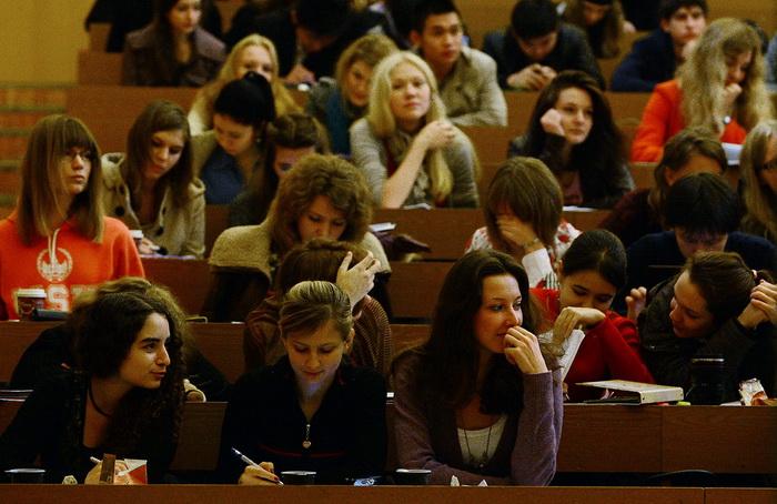 В педколледжах Москвы нет набора на бюджетные места. Фото: NATALIA KOLESNIKOVA/AFP/Getty Images