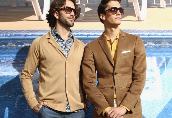 Весенние тенденции мужской моды представил стилист Уорбертон