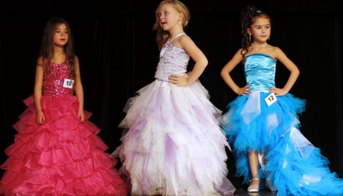 Губернатор Санкт-Петербурга разрешил проведение детских конкурсов красоты