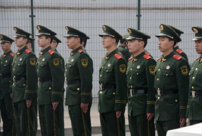 15 апреля на первом заседании нового китайского КГБ Си Цзиньпин говорил главным образом о безопасности. Фото: GOH CHAI HIN/AFP/Getty Images