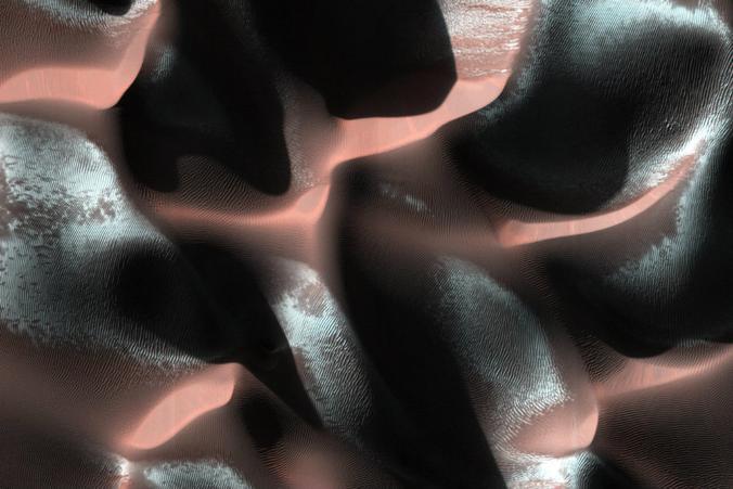 Mars-sand-dunesPIA18118