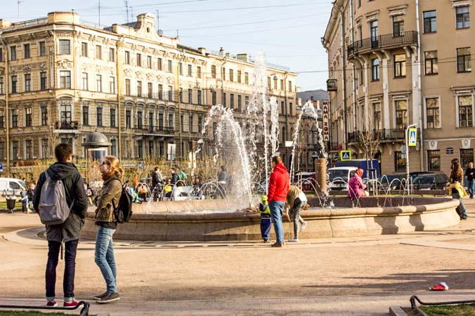 Фонтан в Ново-Манежном сквере. Фото: Олег Луценко/Великая Эпоха