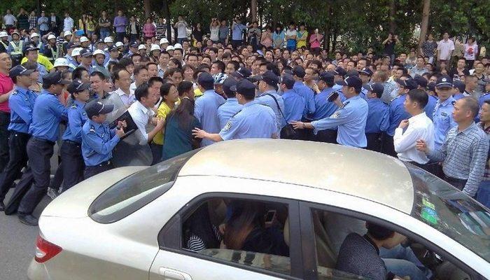 На юге Китая протестуют тысячи рабочих