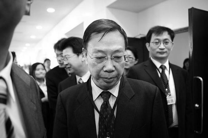 Хуан Цзефу на конференции в Тайбэе, Тайвань, 2010 год. Студенты Университета Гонконга подвергли критике руководство университета за присуждение почётной степени Хуан Цзефу, бывшему китайскому вице-министру здравоохранения, который активно участвовал в насильственном извлечении органов. Фото: Bi-Long Song/The Epoch Times