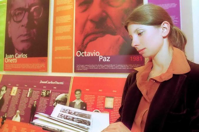 На Варшавской книжной ярмарке. Фото: STR/AFP/Getty Images