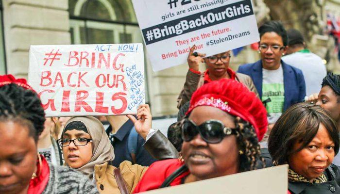 Похищенных в Нигерии школьниц ищет самолёт США