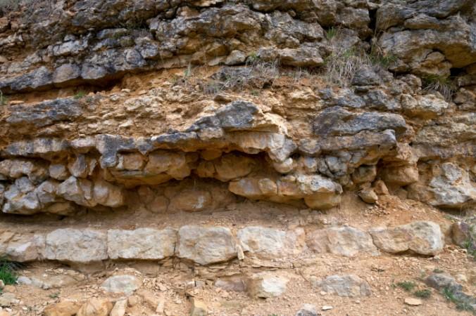 Известняк. Находка, обнаруженная под слоями известняка, является доказательством того, что люди существовали на Земле сотни миллионов лет назад и даже имели развитую цивилизацию. Фото с theepochtimes.com