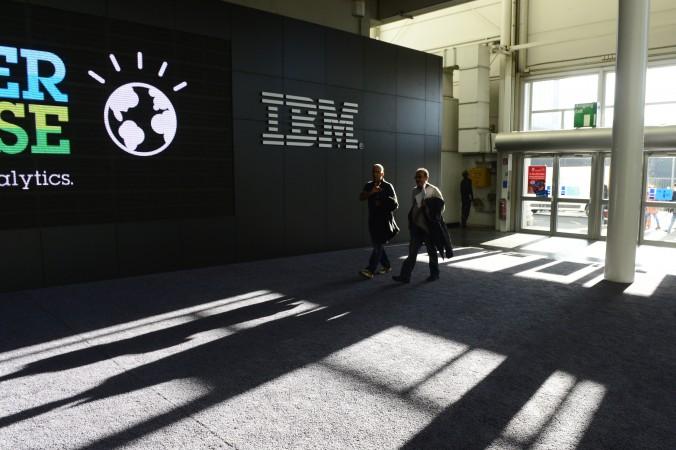 Стенд IBM на ярмарке технологии CeBIT 9 марта 2014 года в Ганновере, Германия. Китайские власти вынуждают свои банки избавиться от серверов IBM. Фото: John MacDougall/AFP/Getty Images
