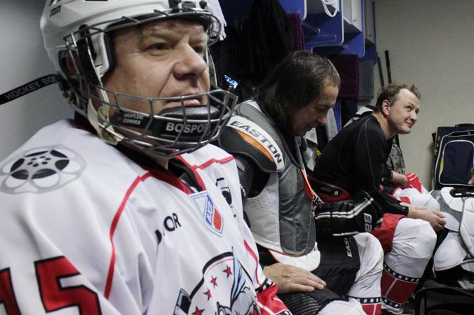 Бутман, Иншаков, Башаров перед матчем в раздевалке. Фото: Алексей Николаев/Великая Эпоха