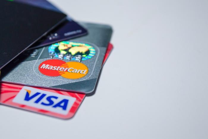 Visa и Mastercard остаются: и овцы целы, и волки сыты