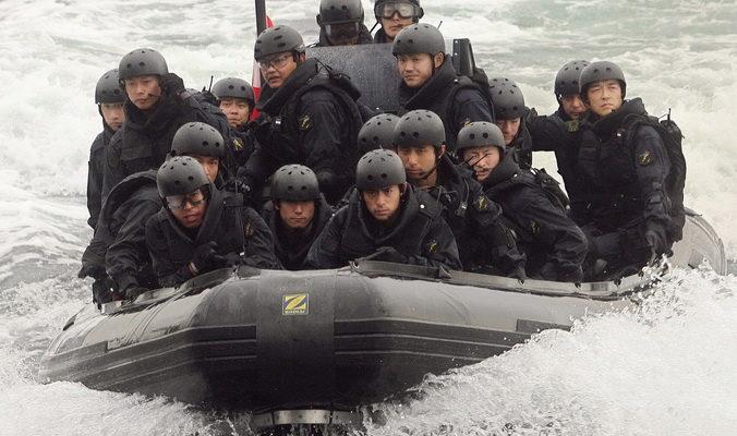 Япония провела учения по очистке островов от неприятельского десанта
