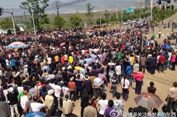 Китайские крестьяне теряют землю и жизнь ради доходов местных властей