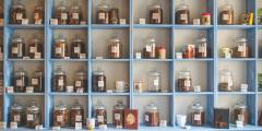 Методы лечения китайской медицины: акупунктура, травы, банки и мокса-терапия