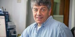 Владимир Паперный: Необходимо, чтобы по ТВ вместо «убей врага» постоянно говорилось «люби врага»