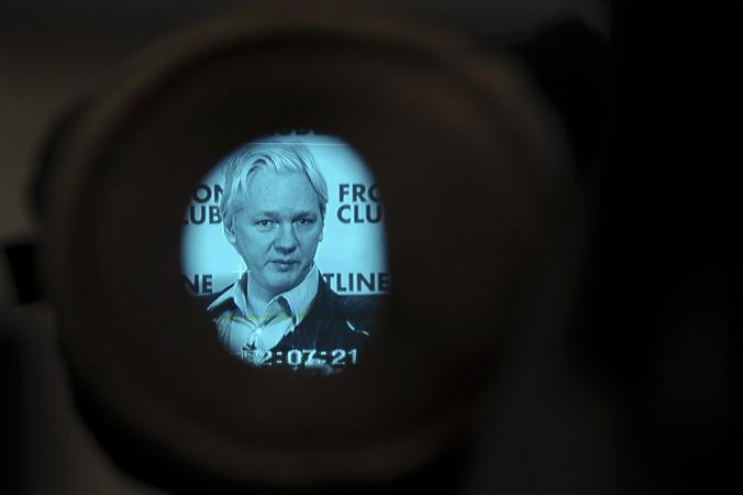 Основатель WikiLeaks  Джулиан Асанж. Фото: Carl Court/AFP/Getty Images