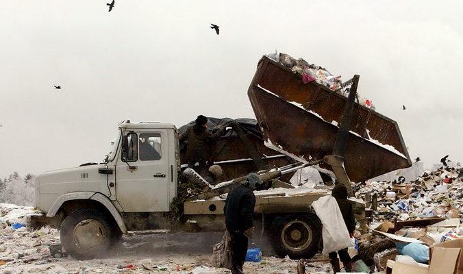 Водителей мусоровозов обяжут соблюдать закон о тишине