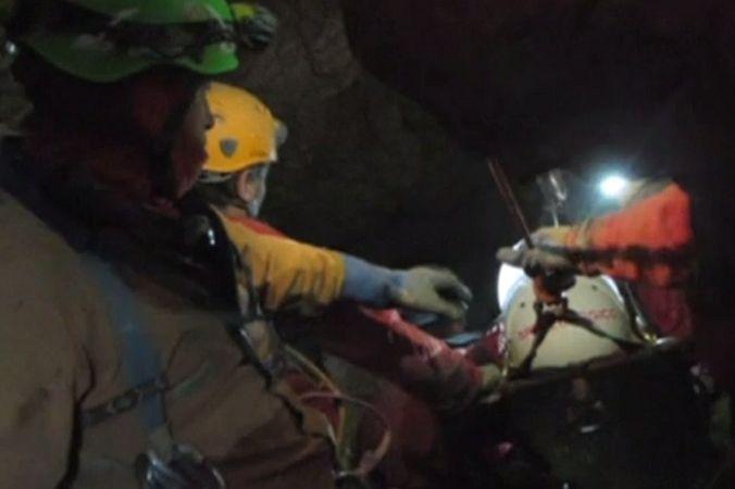 В Германии спасли мужчину, который провёл под землей 12 дней