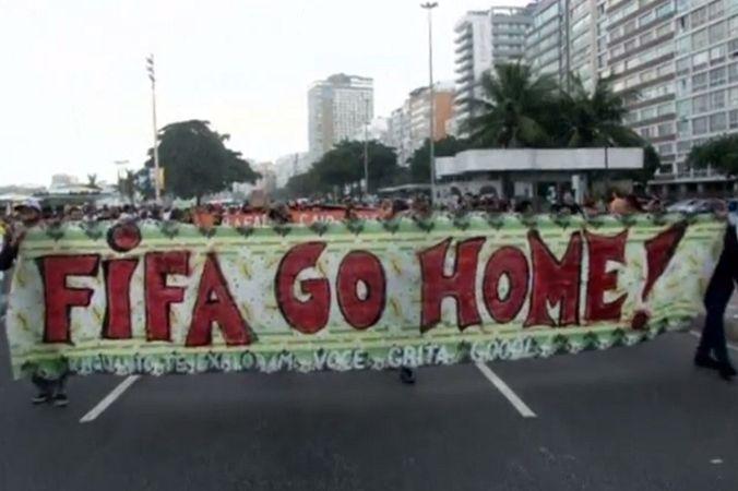 В Рио-де-Жанейро прошёл молчаливый протест против чемпионата мира по футболу